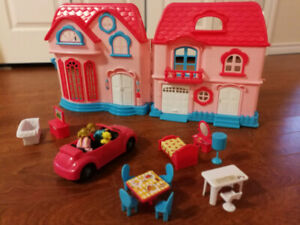 Kids connection Dollhouse Play Set (Like new condition)