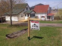 Building lot on Wendell St in Riverview.