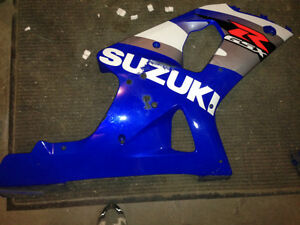 2002 GSXR 1000 RIGHT SIDE FAIRING