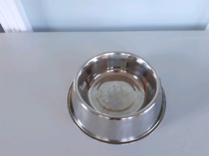 dog dish and stand
