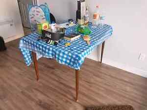 Table for sale URGENT  IMMEDIATELY