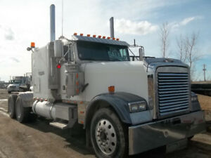 2003 Freightliner Classic XL Flat Top - 6NZ Cat - 18 speed