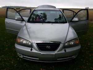 2005 Hyundai Elantra SE - luxury