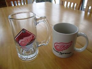DETROIT RED WINGS MUGS