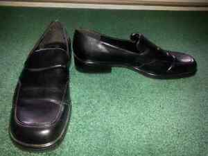 Women's Black Shoes Size 11