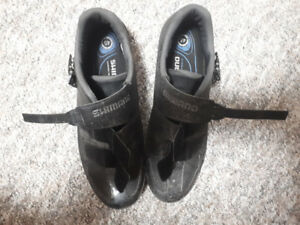 Shimano RP3 size 45 road shoes