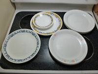 Corelle Collection 4 sets of 4 dinnerplates w. 4 dessert plates