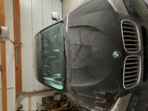 2016 BMW X3 has Bluetooth, Bouble sunroof and Lesskey entry