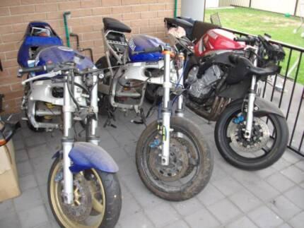 3 x yamaha yzf r6 1 x 1999 and 2 x 2001
