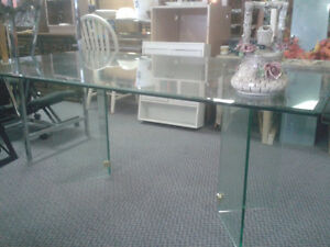 Glass Table 6' Great Condition at The Meetinghouse! Windsor Region Ontario image 2