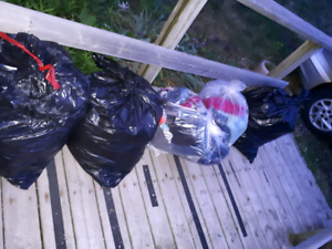 HUGE LOT OF WOMANS CLOTHES MED-XLARGE