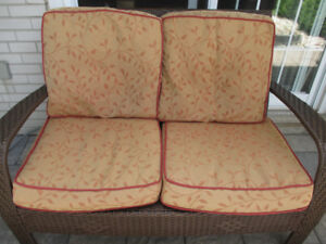 DOT furniture loveseat 4 CUSHIONS(ONLY)