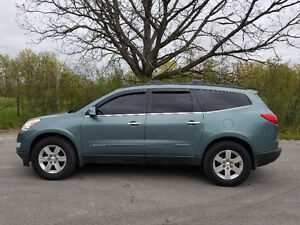 2009 Chevrolet Traverse LT2 LOADED- Runs Amazing!