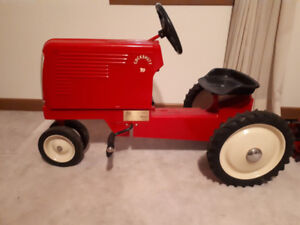Cockshutt 70 Toy Pedal Tractor