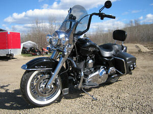 2010 Harley Davidson FLHRCI Road King Classic touring