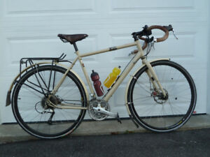 Raleigh, Sojourn, Touring Bike