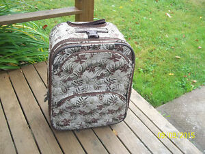 Medium Size Travel Luggage/Suitcase (Gasoline) with Wheels