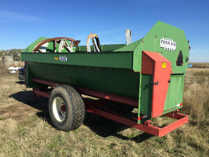 430 farm aid silage mixer feed wagon