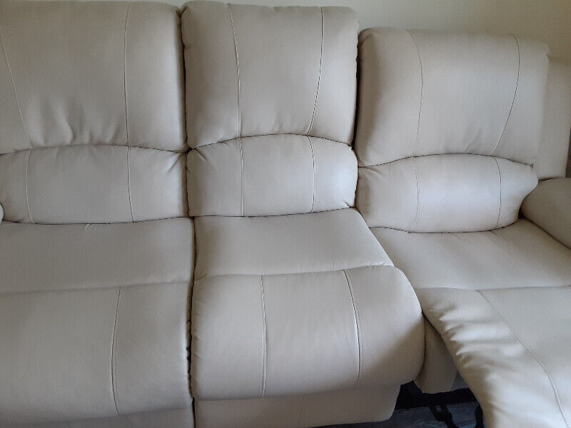 living room furniture for sale  couches  futons  ottawa
