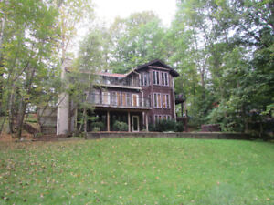 Stunning Home for Short Term Rental in Horseshoe Valley