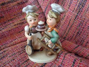 bibelot 2  figurines cuisiniers 5 1/2 po. de haut