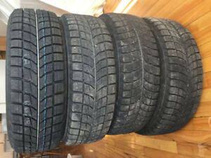 4 BRIGESTONE BLIZZAK 185/65R 14 WS-60 86 R winter tires to sell