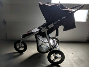 Stroller with Rain Cover, Bassinet and Car Seat Adapt