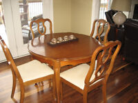 Dining Set with matching Buffet Hutch
