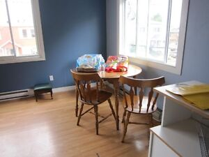 All included 2 bedroom apt  Downtown hull. 15 min bus to ufo