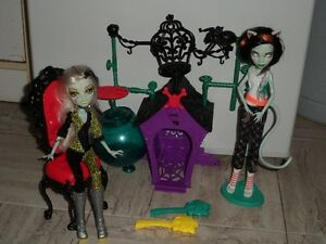 MONSTER HIGH poupées Freaky Frankie/Scarah Fusion