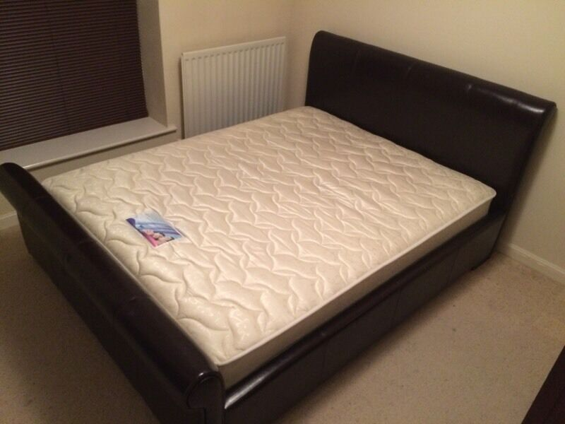 Kingsize bed frame and matress, good condition