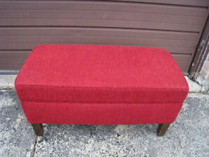 Nice Storage Ottoman Bench/Trunk in great condition