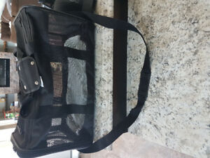 Dog/puppy carry on kennel