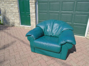 """""""Comfy"""" Leather Arm Chair"""