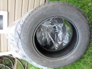 Pneus hiver(4) Bridgestone Blizzak 205/165r16 98T reste8/32