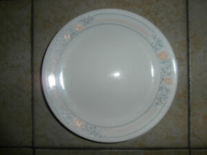 Vaisselle Corelle variés - motifs différents - prix variés