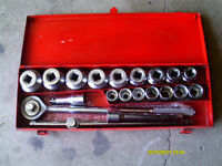 RATCHET DRIVE & SOCKET SET