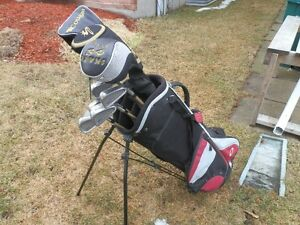 Adult Right Handed Golf Clubs.