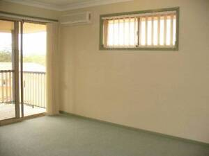 Large room with Private Balcony, Wardrobe & Ensuite Kuraby Underwood Logan Area Preview
