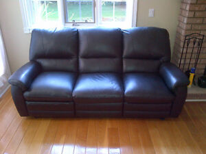 **FOR SALE | 3-Piece Leather Recliner Sofa Set ! London Ontario image 3
