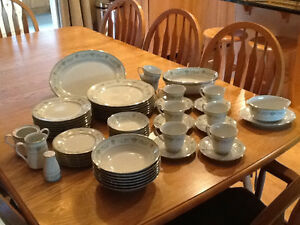 Noritake fine china complete set for six with exxtras.