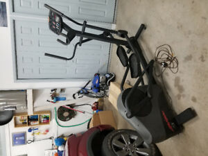 Elliptical Trainer - Life Fitness x3