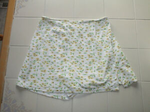 Ladies plus size floral print skort, size 1X from Penningtons