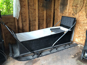 Ice fishing / trapper sled / sleigh