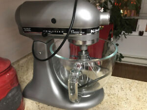 Classic plus kitchen aid stand mixer!