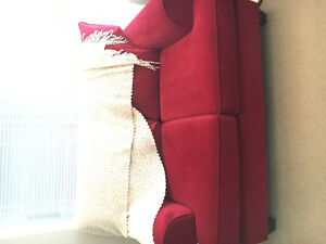 Feature Love Seat - 2 Yrs Old