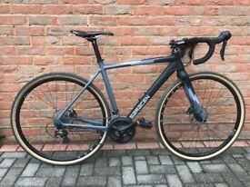 "Saracen Bicycle Hack in Black Cyclocross Bike 54"" Carbon Fork - like new"