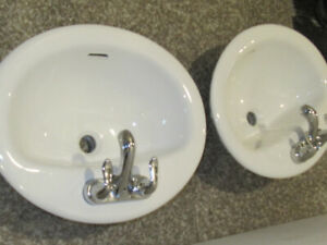 two bathroom sinks 17x20 with faucets