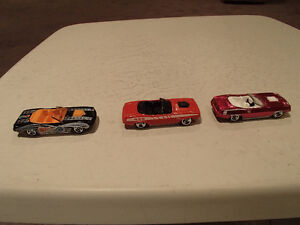 1:64 SCALE DIE-CAST Hot Wheels 1970 Plymouth Barracuda 2 CARS