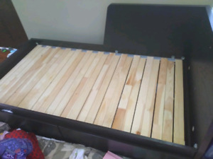 Ikea day bed Flekke with 2 drawers (almost new)